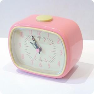 60d1b398f737f7 Accessories Pink retro alarm clock