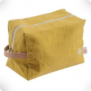 Large cube shaped toilet bag