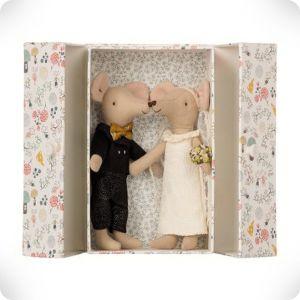 Wedding couple in box
